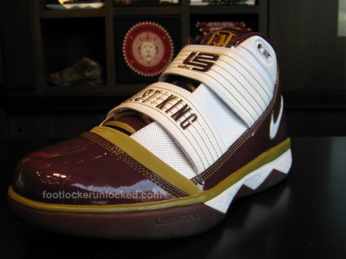 87ec88ed93752 Zoom Lebron Soldier III SVSM and CTK at House of Hoops Friday 9 18 ...