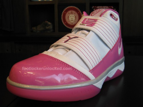 """21d82a905d5a Zoom Lebron Soldier III """"Kay Yow"""" at House of Hoops 9 17 – Foot Locker Blog"""