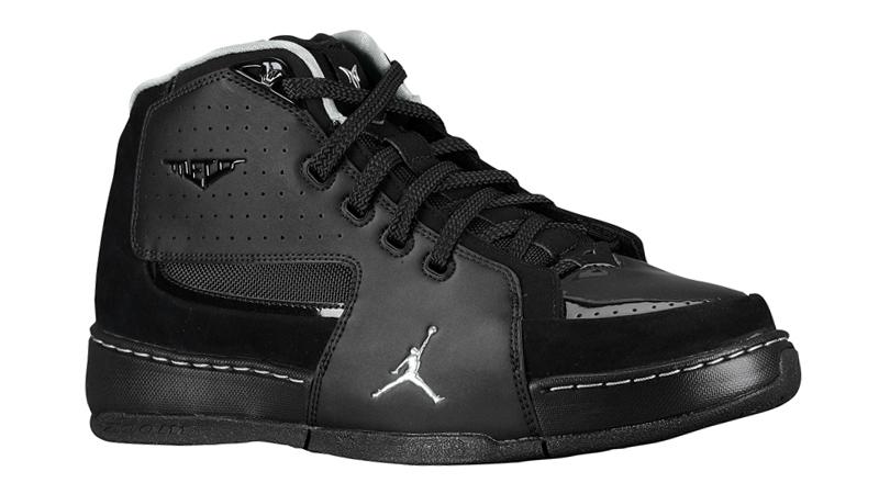 Jordan Melo M6 Black/Silver at Foot