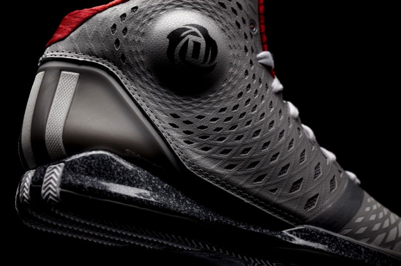 PERFORMANCE  The SPRINTWEB upper engineered specifically for Derrick s ... b2171d4ff