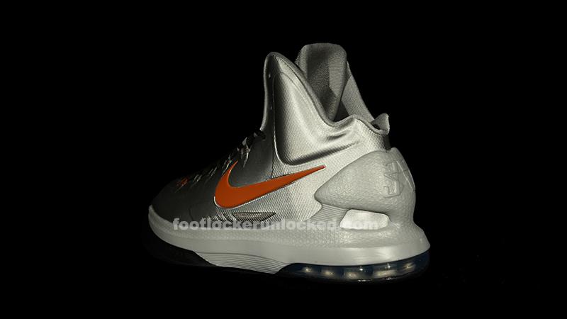 "quality design 0ca54 1f4a9 Nike KD V ""Texas"" – Foot Locker Blog"