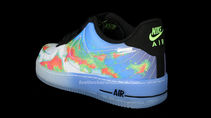 "Nike Air Force 1 Comfort Premium Low ""Weatherman"" – Foot"