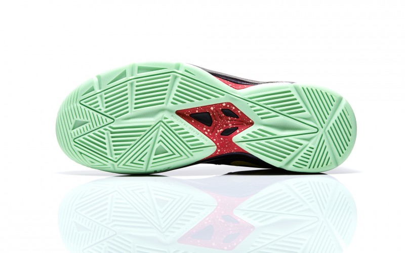 release date: 9e760 916c9 Tags - Glow In The Dark, Kobe 4 Venomenon, nike