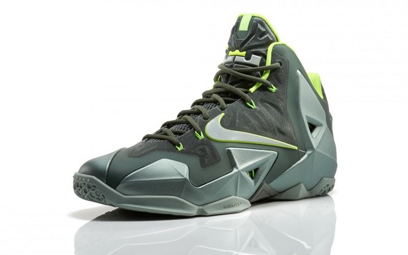 "the best attitude 08856 ff120 Nike LeBron 11 ""Dunkman"" Release Details – Foot Locker Blog"