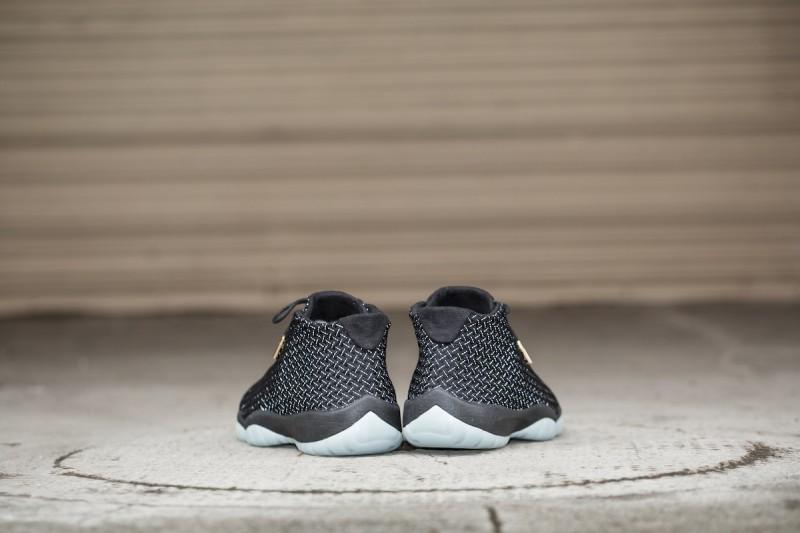 c4c9a0551b7 Jordan Future Black Glow