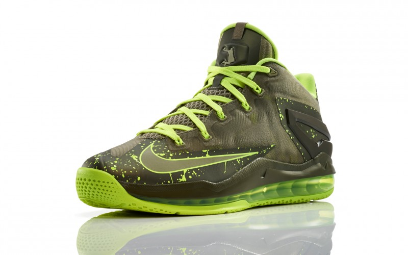 "e247032cfdb2c3 Nike LeBron 11 Low ""Dunkman"". May 27th - Posted By King Cobra.  Lebron 11 Low Mdm Khaki 200 3qtr 0234 FB"
