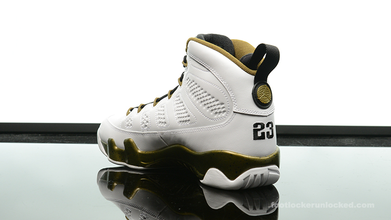 02d3f9eb9914f0 ... Foot-Locker-Air-Jordan-9-Retro-Statue-5 ...