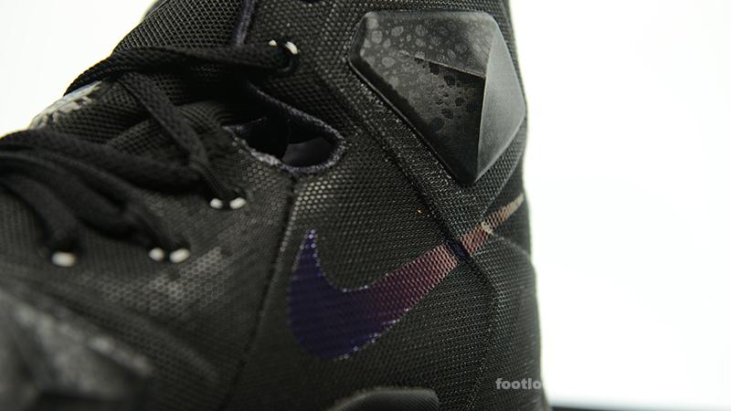 7f6b926fcea0 ... Foot-Locker-Nike-LeBron-13-Black-Lion-10 ...