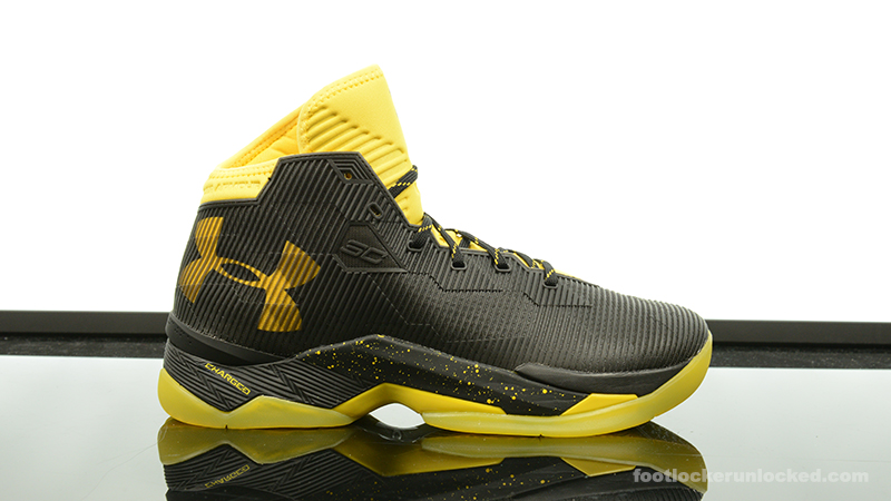 """Under Armour Curry 2.5 """"Taxi"""" – Foot"""